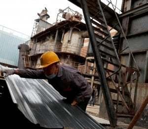 Istat marzo produzione industriale crolla del 28 4%