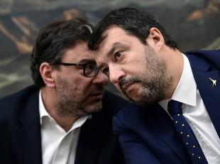 Matteo Salvini sondaggi rosso agitano Lega Dobbiamo essere pronti tutto, messaggio parlamentari