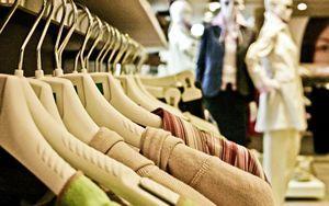 settore beni personali Milano muove verso basso, -1 89%,