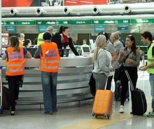 Viaggi voli ripartenza ordine sparso ecco Compagnie Paesi che riaprono