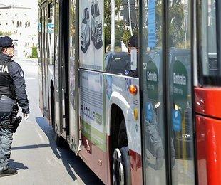 Fase 2 Trasporti bus metro treni tram aerei,, come viaggia oggi