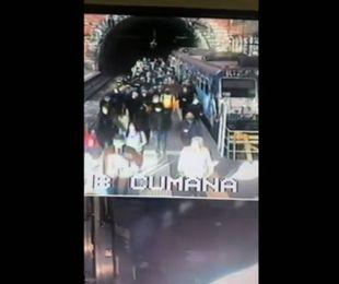 Napoli folla sui treni Circumflegrea Distanziamento impossibile nessun controllo,