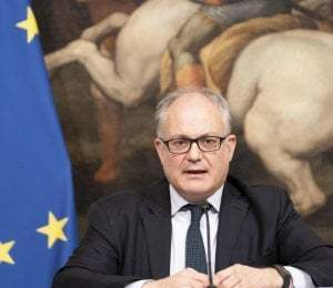 Decreto rilancio contributi fondo perduto per aziende fino 5 milioni ricavi Bonus vacanze fino 500 euro