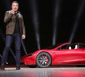 Tesla supera Toyota come valore Borsa diventa prima mondo