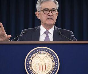 FED Powell Grande incertezza futuro Tassi fermi fino 2022
