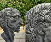 """VERGOGNA A SAN FELICE A CANCELLO """" Vandalizzato il Monumento ai Caduti"""