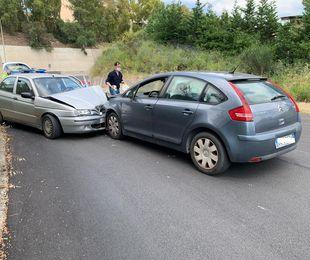 Scontro tra auto a pochi passi dalla statale, 4 persone restano ferite