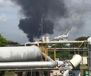 fiamme azienda chimica Marghera due feriti gravi