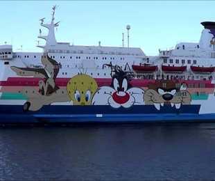 La nave-quarantena è a Porto Empedocle: accoglierà 284 migranti, domani le verifiche