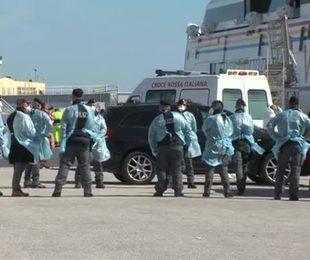 I migranti in quarantena ospitati in navi da crociera. E' l'inizio di un nuovo business?