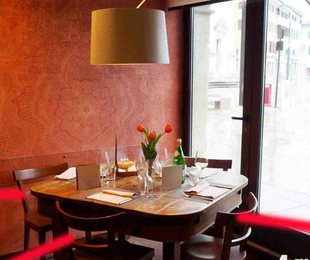 Fase 2, nei ristoranti 4 metri quadrati di distanza a cliente ed eliminati i servizi a buffet