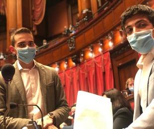 Coronavirus. I deputati Giarrizzo e Perconti, M5S, presentano un odg che impegna il governo a digitalizzare con un'app i moduli di ...