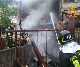 Esplosione in una villetta in provincia di Como, morto 21enne
