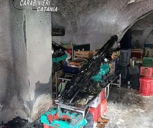 Catania litiga con soci à fuoco posto della frutta mercato