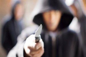 Catania, rapinano supermercato armati di coltello: arrestati 3 minorenni