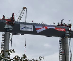 Genova ha di nuovo il suo ponte, completato il varo
