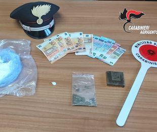 Cocaina e hashish nascosti negli slip: avrebbe fruttato 100.000 euro. Arrestata una donna