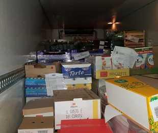 Trasportavano mozzarelle, salumi, yogurt e burro con il frigo spento: due sanzioni