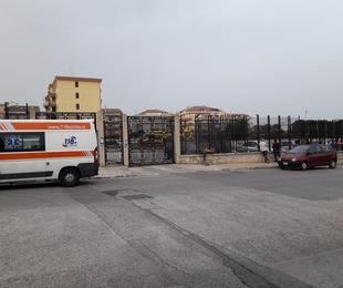 Arriva elisoccorso Floridia assembramento strada intervengono vigili