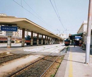 Fase 2 dei trasporti in Sicilia: aumentano le corse regionali. Confermato lo stop per i treni intercity fino al 17 maggio